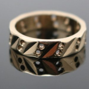 9ct Gold, glamorous and lightweight, patterned gold Ring
